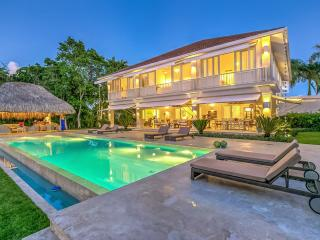 Uniquely Designed Villa, Sleeps 10, Punta Cana