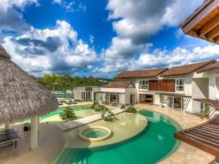 Tropical Dream Villa at Cap Cana, Sleeps 18, Punta Cana