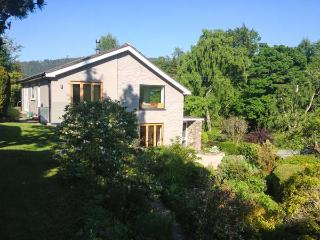 ERW NANT, architect-designed detached, woodburner, gardens, woodburner, WiFi, Chirk