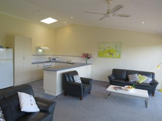 Apartment 6: Upstairs 3 Bedroom, Merimbula