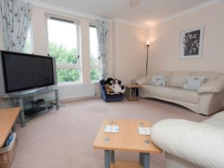Modern central flat with free parking., Edimburgo