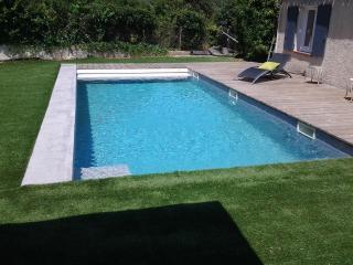 Bas de villa douillet acces piscine, Toulon