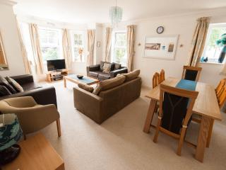 Sea Dreams in Bournemouth (sleeps 8)
