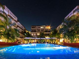 LARGE & SO COMFORTABLE APARTMENT IDEAL FOR FAMILIES, only 1 block from 5th av, Playa del Carmen