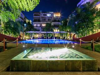 GORGEOUS APARTMENT WITH POOL VIEW- 1 BLOCK 5TH AVENUE PLAYA DEL CARMEN