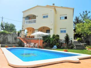 Villa Zaragoza piscina privada en la Costa brava, El Vendrell