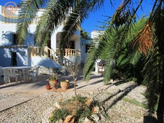MJ000156 - CHARMING 3 BED VILLA ONLY A 20 MINUTE WALK TO MORAIRA