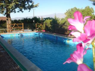 3-bed property w/huge garden & pool, Padul
