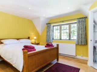 Double bedroom with en-suite shower room, toilet and wash hand basin