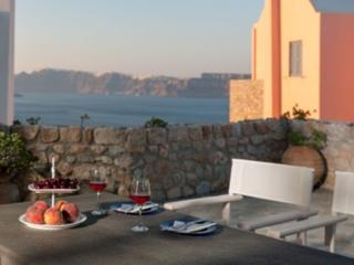 Red Cliff Side Villa - Fairy House , Caldera View, Akrotiri