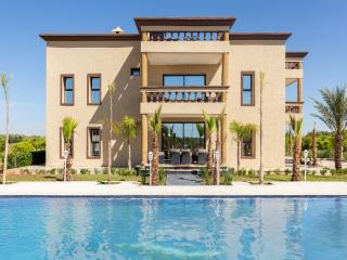 Spacious 8-bedroom villa in a guest farm, Marrakesch