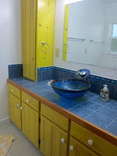 Banana Split Bath with shower