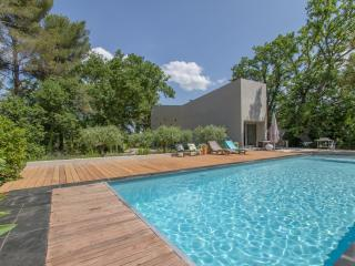 Stunning architect's house close to Aix, Aix-en-Provence