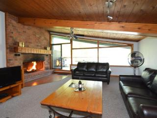 4 Bedroom Swiss Style Chalet 2#120R, Blue Montains