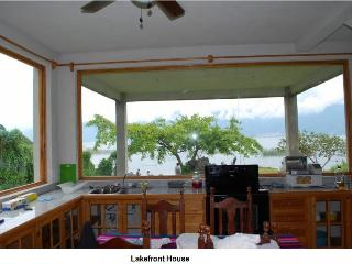 3 bed/2 bath lakefront sleeps 5 on Lake Atitlan, San Lucas Toliman