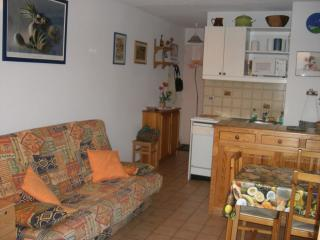 Loue 2 pièces + mezzanine dans rési. avec piscine, Cavalaire-Sur-Mer