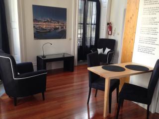 fabulous occasion apartments, Porto
