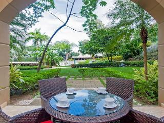 Beautiful 2 BR condo in the heart of Tamarindo MAT103