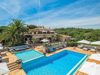 Stunning Pampelonne Estate parkland and wineyard, St-Tropez