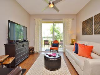 Professionally decorated new 2 BR/2BA condo with magnificent view of lake Cay