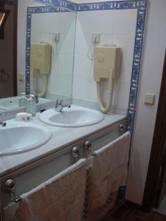 Lavabos planta superior. (Separados del baño)