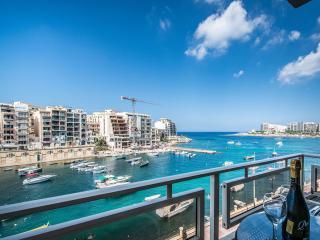 Marvelous Spinola Seaview Apartment