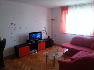 Apartment 600m from the ocean beach, Pula