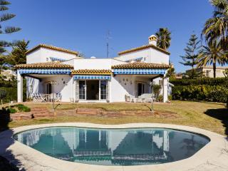 Spacious villa close to the Marina, Marbella