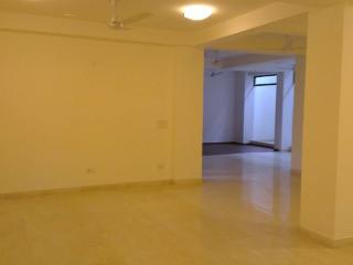 Beautiful lower ground floor apartment, Nueva Delhi