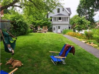 Historic Riverview home, good for families, New Haven