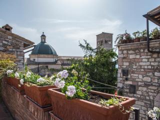 Vista Campanile di San Rufino