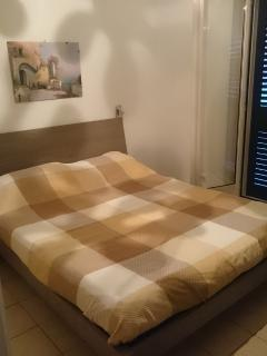 Bedroom (double bed 200 x 160)
