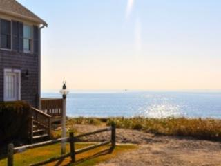 Oceanfront Condo with Private Beach & Panoramic Vi, Hyannis