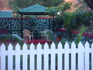 Hill-top villa ---- lonavala, Khandala
