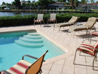 VILLA MARCO, Pool, Garden, Water View, Boat Dock.