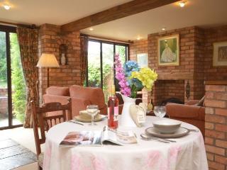 ABCEN Cottage in Evesham, Ab Lench