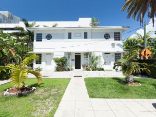 BEST LOCATION CLOSE TO THE BEACH, Miami Beach