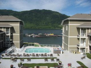 Mara Lake Sicamous BC vacaction lakefront rental