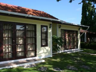 Mae Phim. Rock Garden Villa, Klaeng