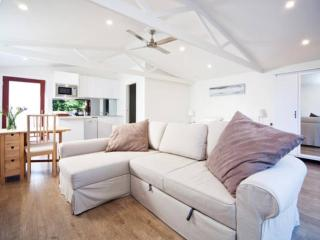 Bijoux Beach House, Sidney