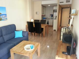Moraira Central E, pool/beach150m/WiFi/AC/lift/sunny balcony/UK,Dutch,Spanish TV
