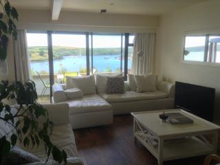 2 bedrooms available winter.Stunning apartment with spectacular kinsale views.