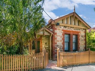 Adelaide  Sass + Beau Cottage