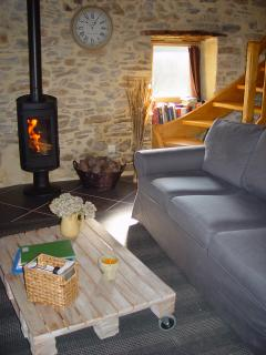 Salon avec chauffage au bois