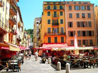 Very Quiet flat in the heart of the Vieux-Nice