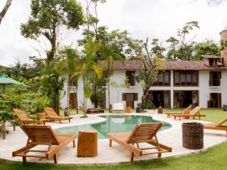 Estalagem Camburi | Charming and cozy Guesthouse | 9 Suites w/ air-conditioning