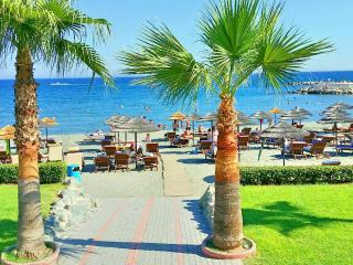 SEA VIEW 2 bedroom with pool, 100m. to sandy beach, Limassol