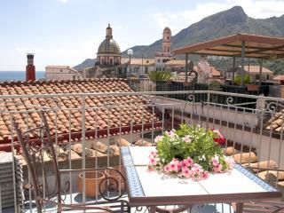 Camera matrimoniale con bagno e terrazza panoramic