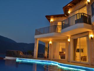Beautiful Turtle Bay Villa Kas Peninsula, Pure luxury infinity pool, detached