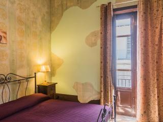 CDG024 Appartamento in centro 4 posti, due camere